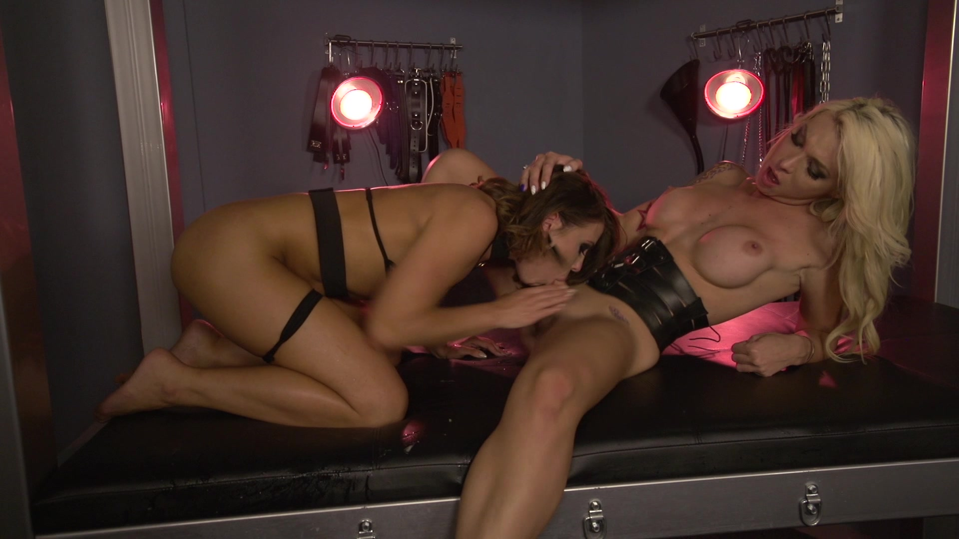 Scene with Adriana Chechik and Aubrey Kate - image 11 out of 20