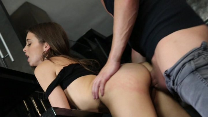 Scene with Xander Corvus and Riley Reid - image 10 out of 20
