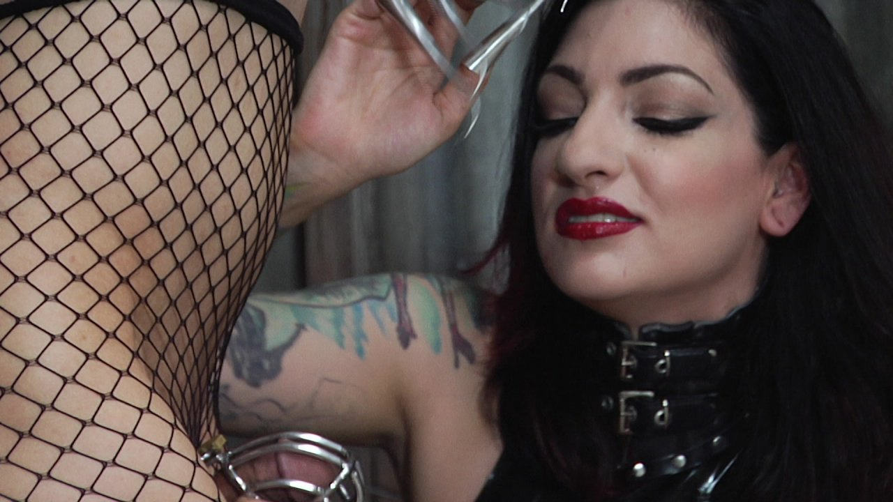 Scene with Cybill Troy and Tener Duende - image 3 out of 20