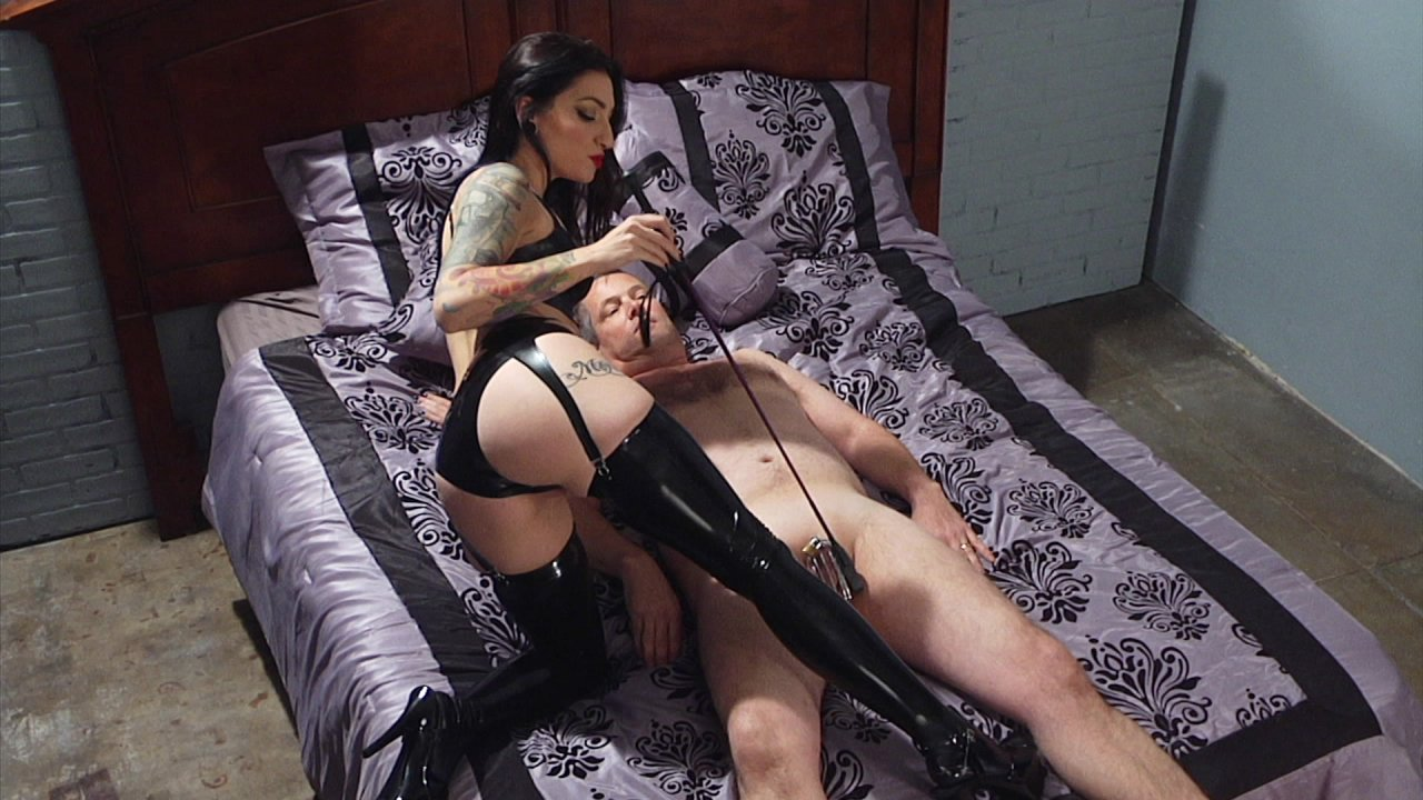 Scene with Jimmy Broadway and Cybill Troy - image 1 out of 19