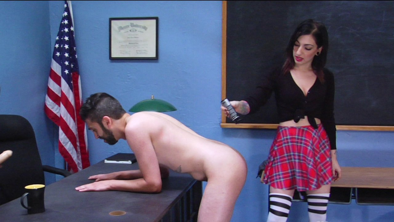 Scene with Cybill Troy - image 16 out of 20