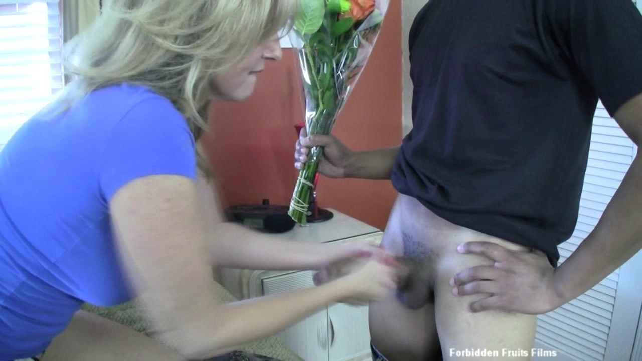 woman and snake do it xxx videos