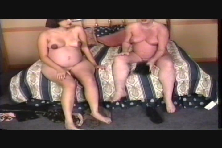 Pregnant Pussy Lickers 2