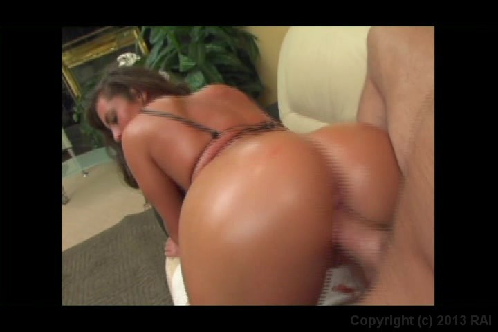 Screen image 165 out of 241 from 25 Sexiest Asses