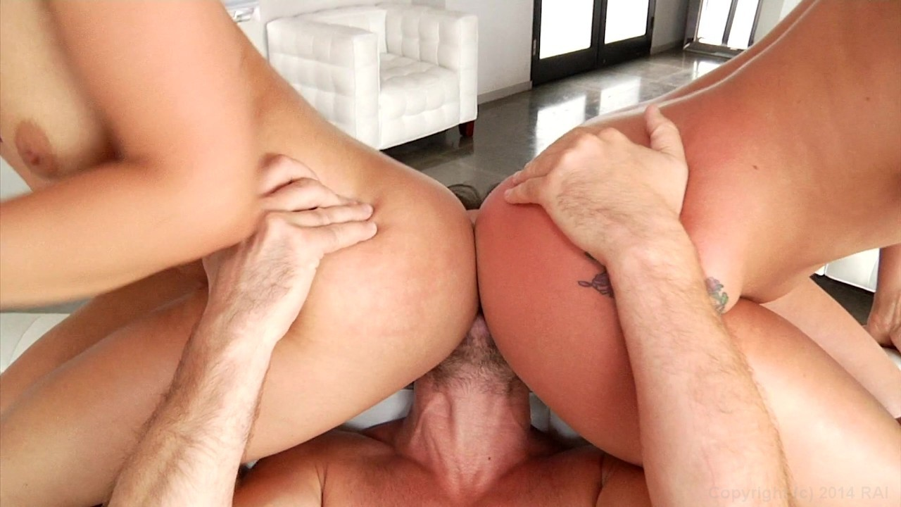 Scene with Anikka Albrite and AJ Applegate - image 8 out of 20