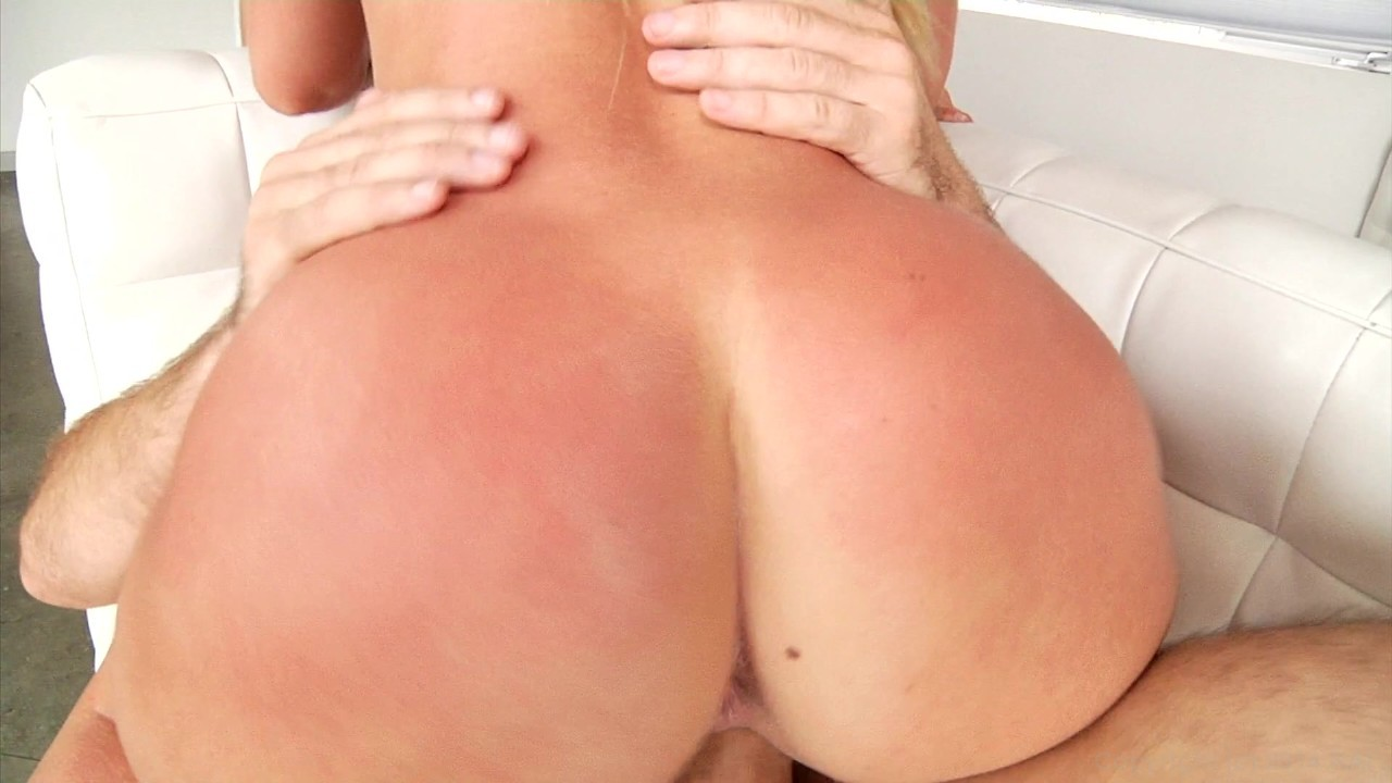 Scene with Anikka Albrite and AJ Applegate - image 10 out of 20