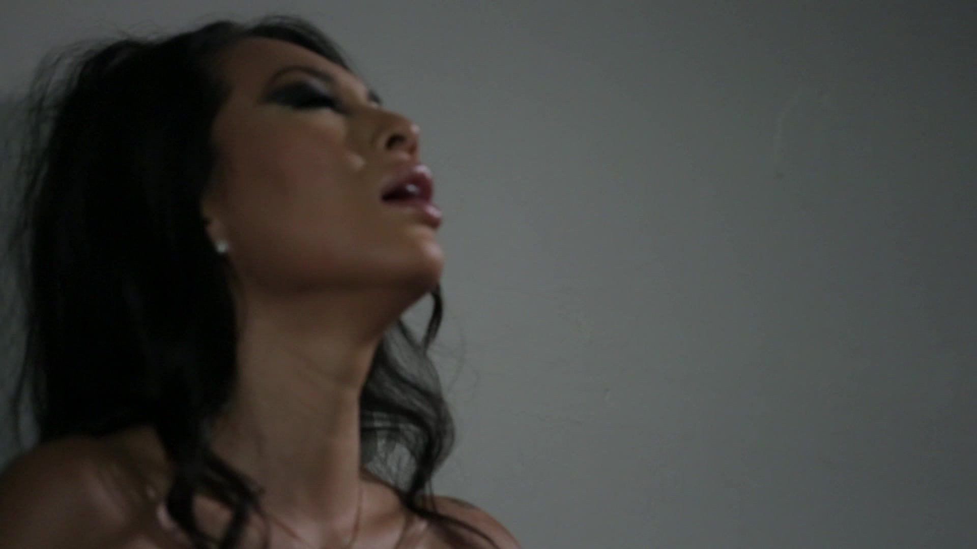 Scene with Asa Akira - image 10 out of 19