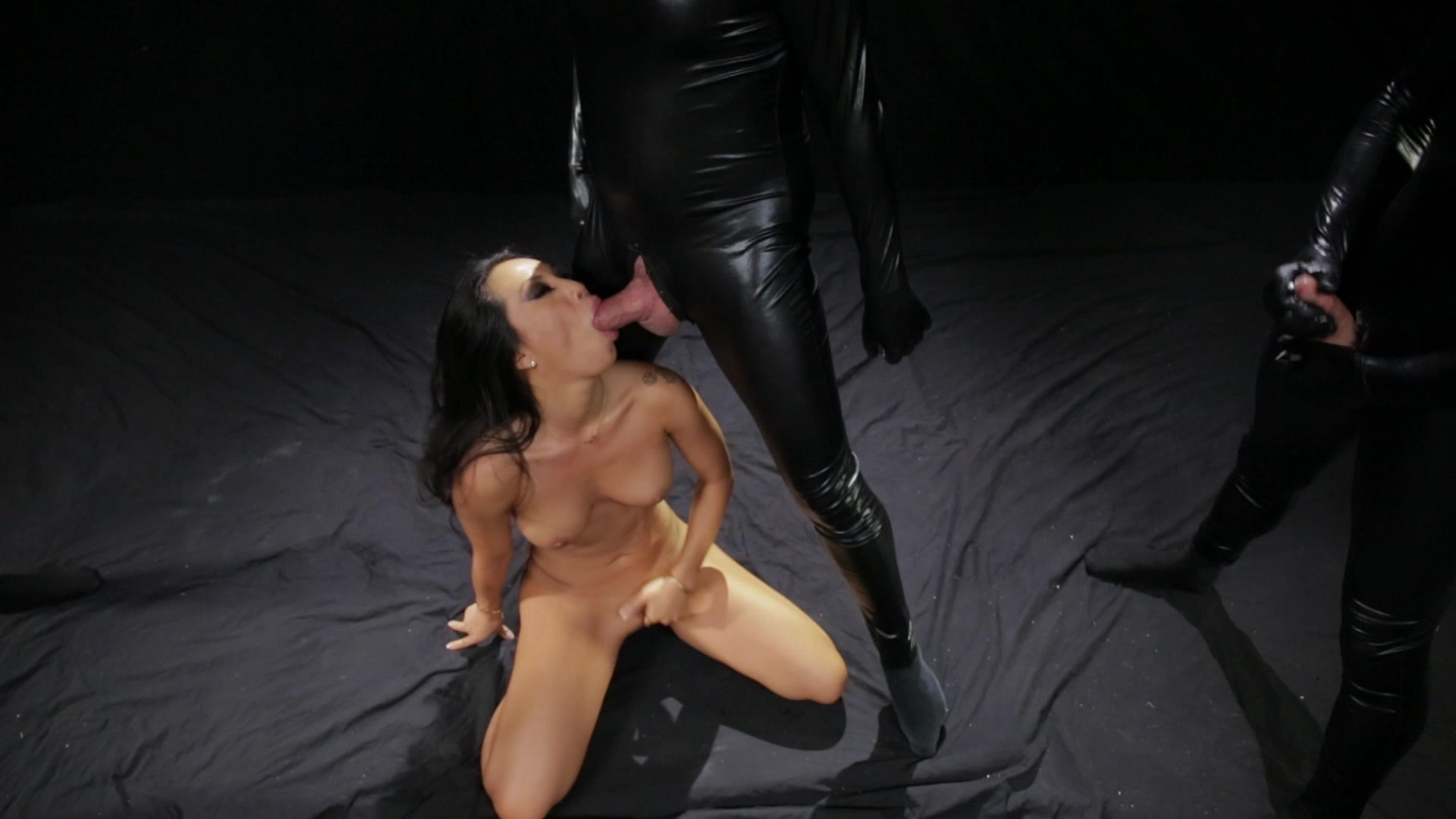 Scene with Asa Akira - image 17 out of 20