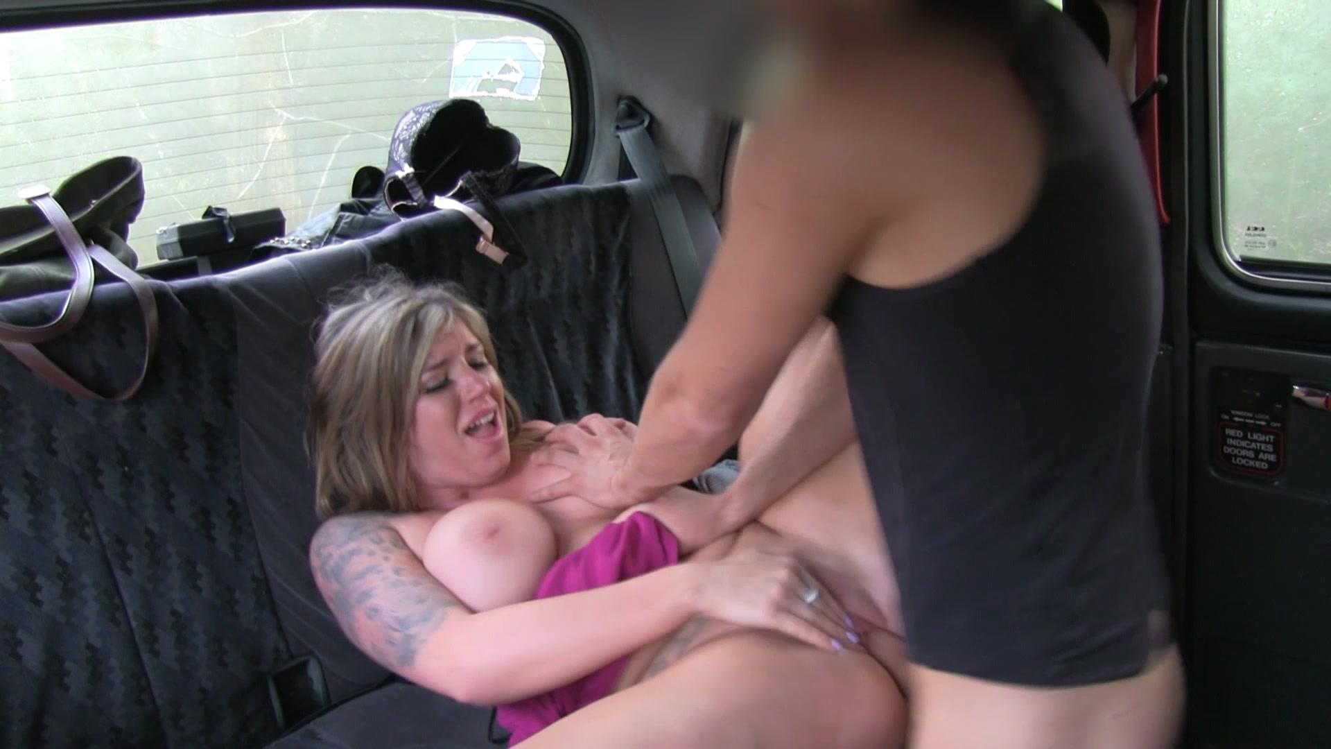 Секс с русской молодой в такси, Порно в такси - fake taxi на 24 видео 3 фотография