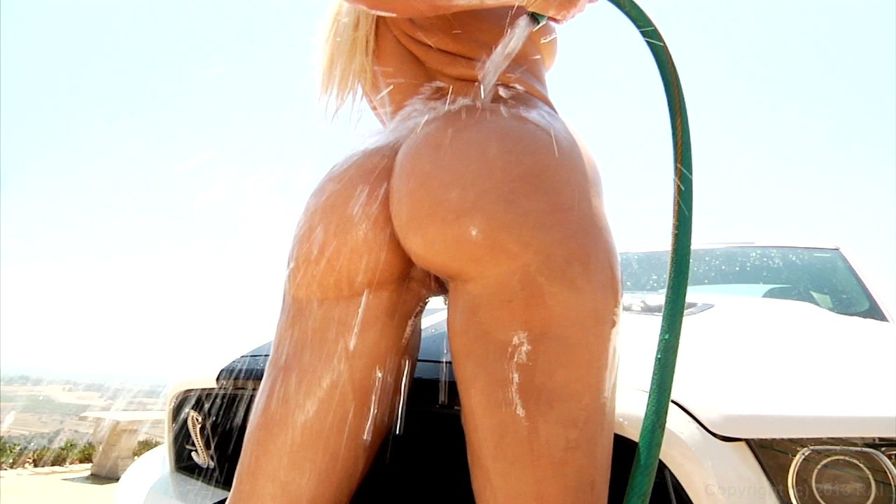 Scene with Anikka Albrite - image 13 out of 20
