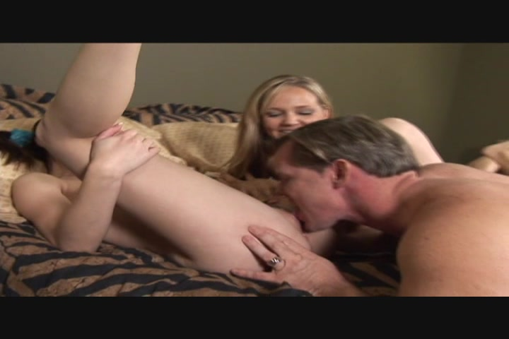 Wife does anal with another woman