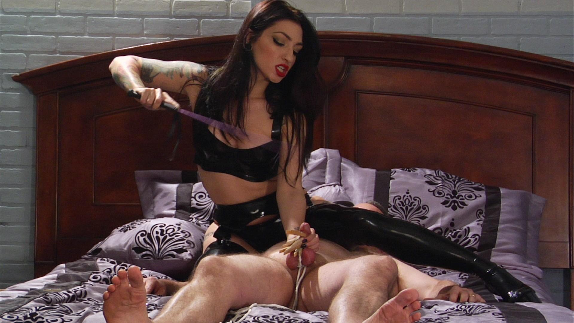 Massive pussy penetration