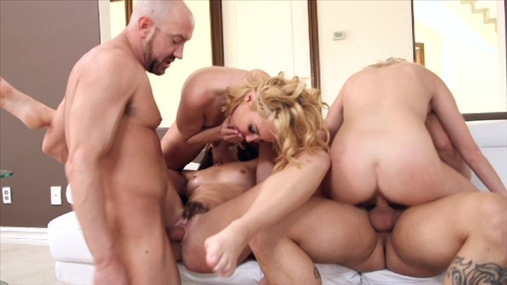 Young amateur film themselves having sex