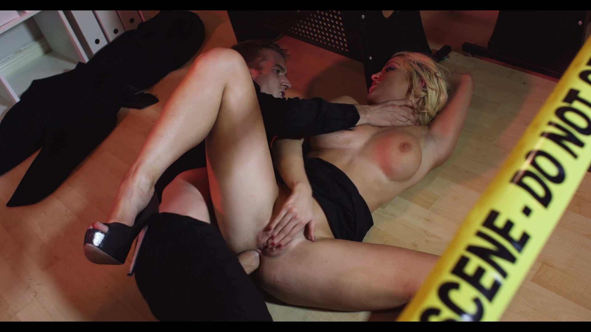 Scene with Sienna Day - image 16 out of 20