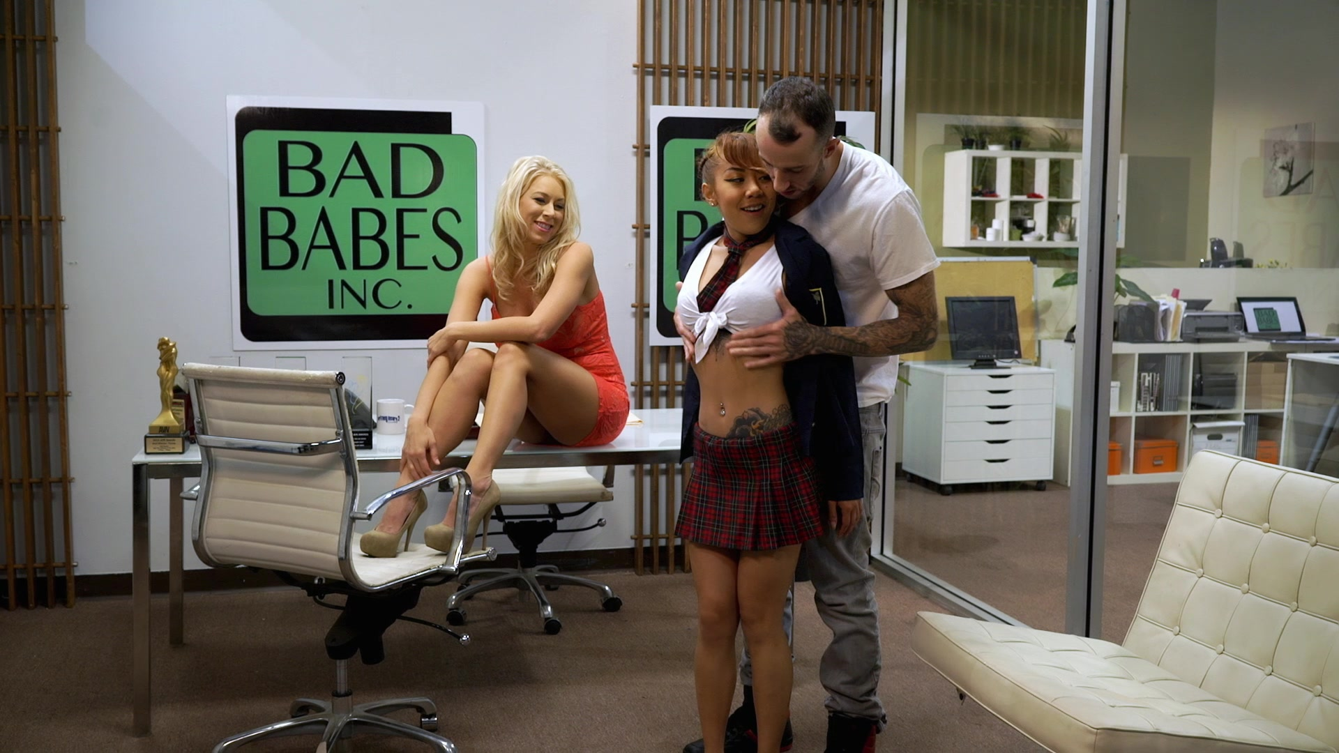 Scene with Katie Morgan and Kimberly Chi - image 5 out of 20