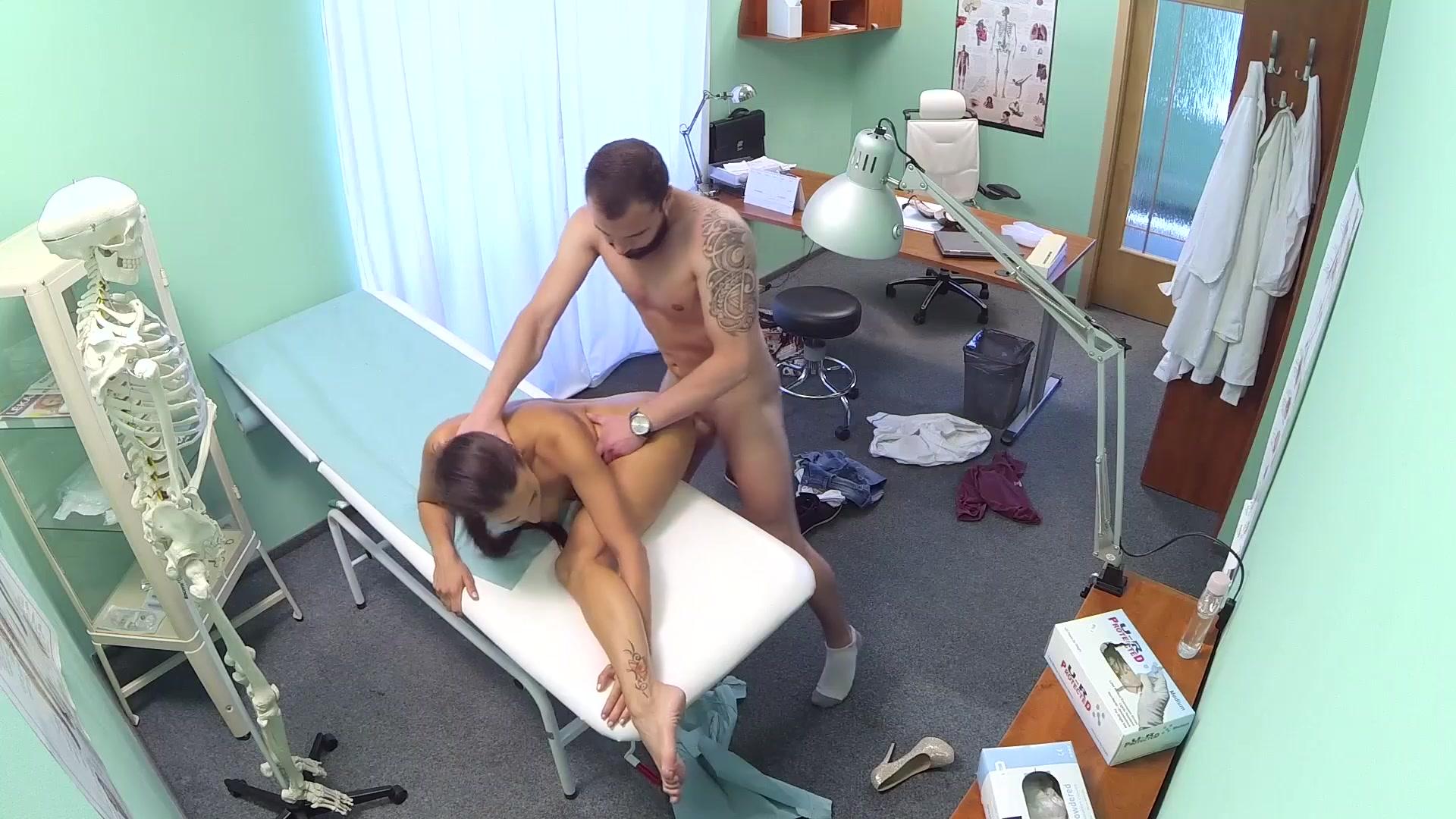 мастурбировала и сильно кончила порно