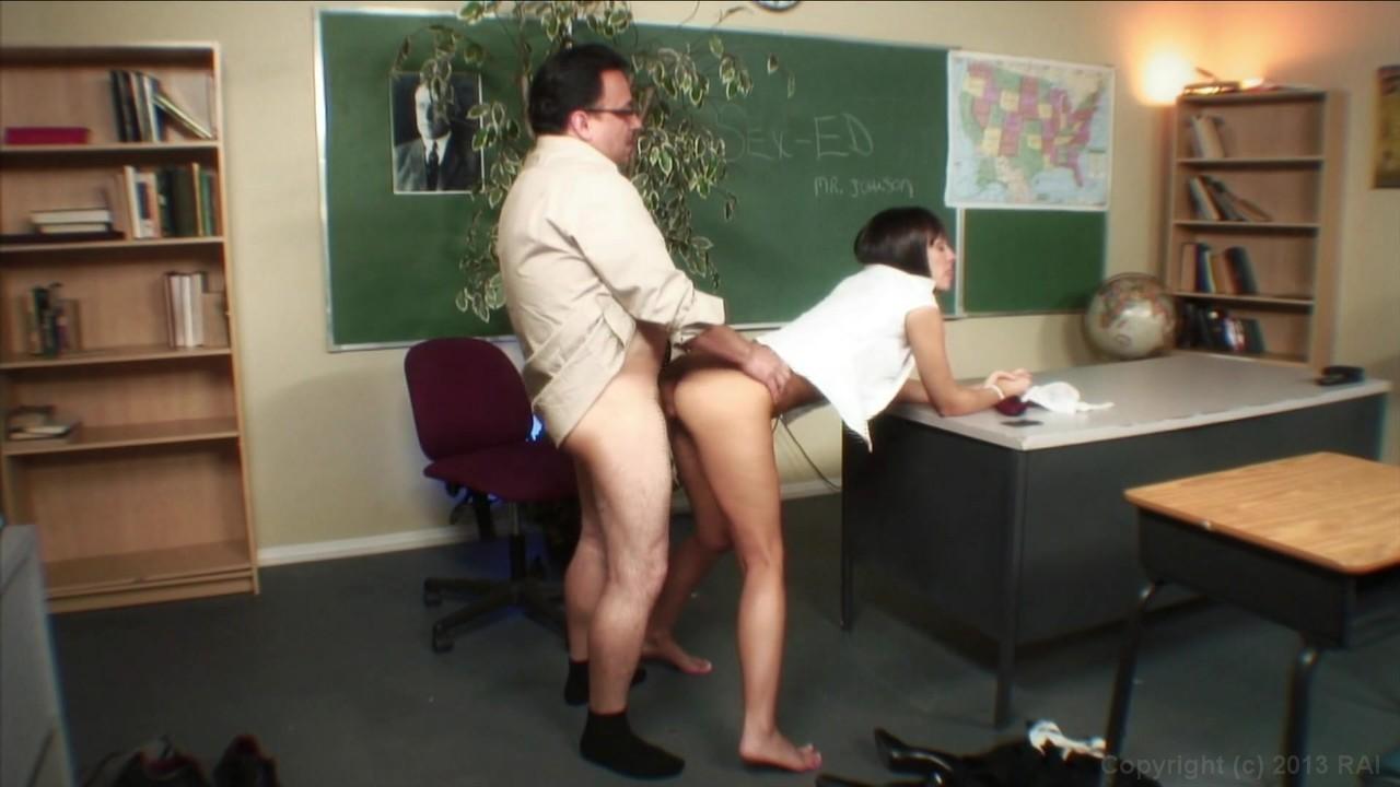 Секс с толстым учителем в школе 13 фотография