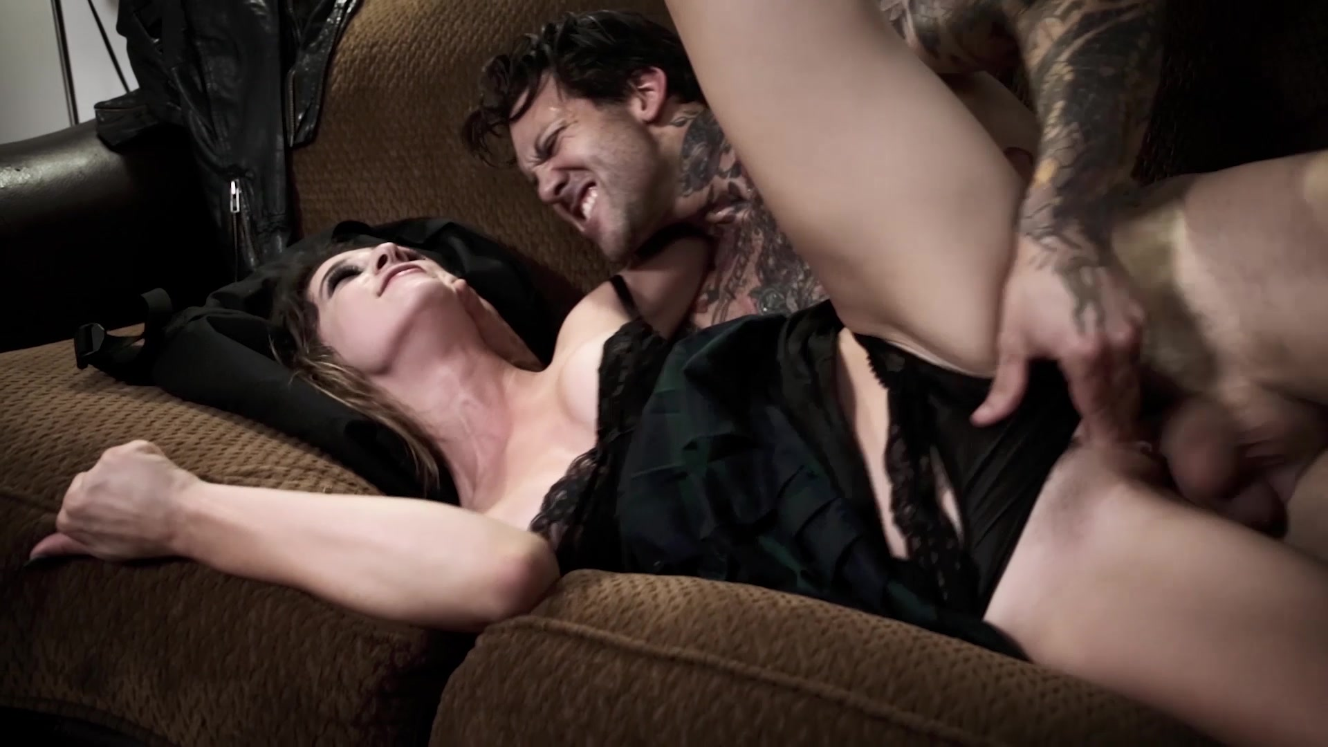 Scene with Small Hands and Kristen Scott (II) - image 20 out of 20