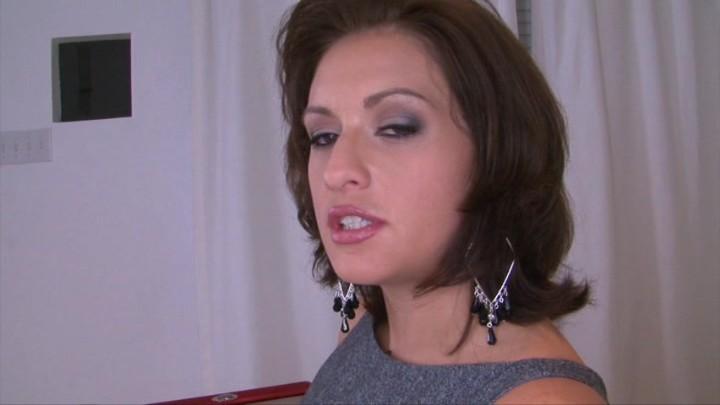 juicy brunette loves having sex and swallowing cum  460346