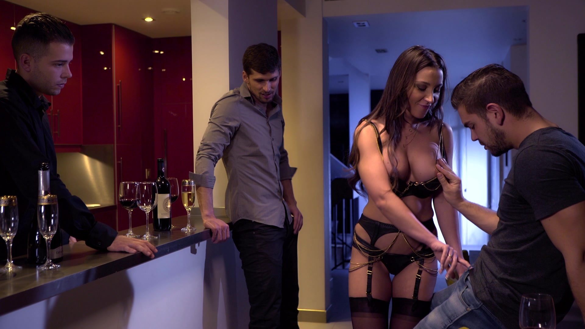 Scene with Julie Skyhigh - image 6 out of 20