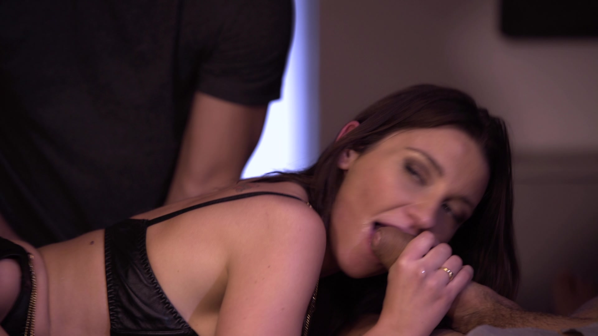 Scene with Julie Skyhigh - image 14 out of 20