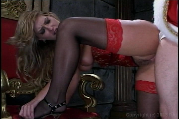 Young Blonde Enjoys Outdoor Fuck with Monster Starring: Johnny Thrust Avy Scott Length: 12 min