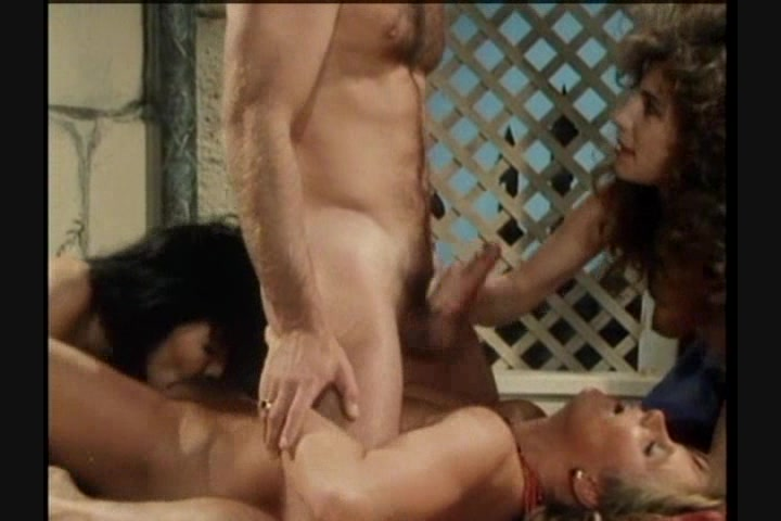 Screen image 22 out of 33 from 1001 Erotic Nights 2