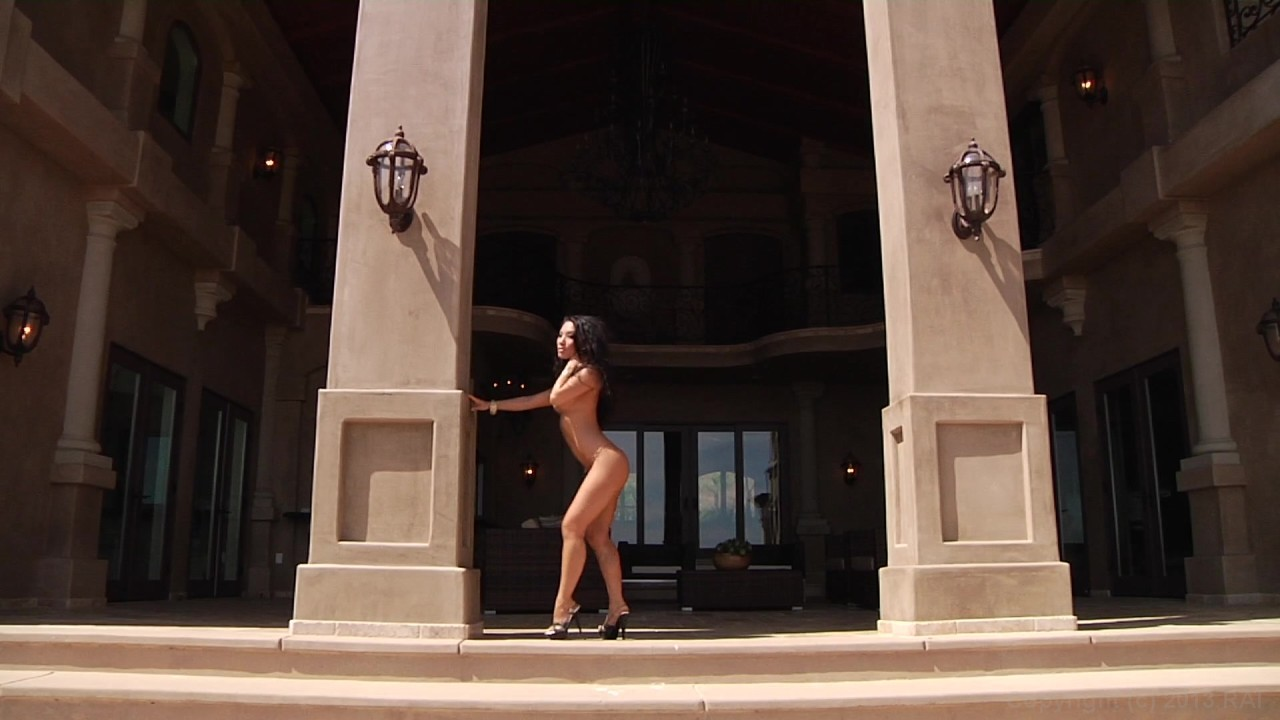 Scene with Asa Akira - image 4 out of 20