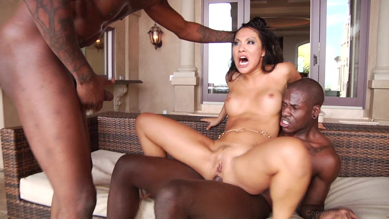 Scene with Asa Akira - image 18 out of 20