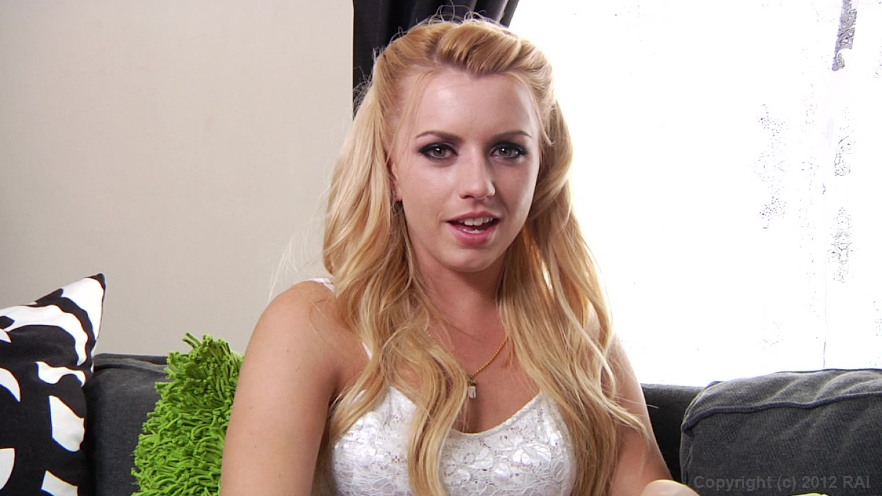 Scene with Lexi Belle - image 3 out of 20