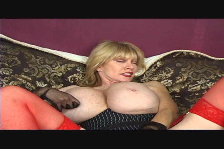 Squirting ladies in pantyhose