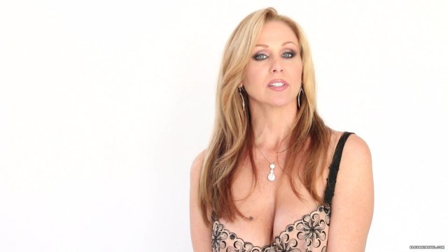 Stunning cougar Julia Ann favors a young dude with a masterful blowjob № 1391923 без смс
