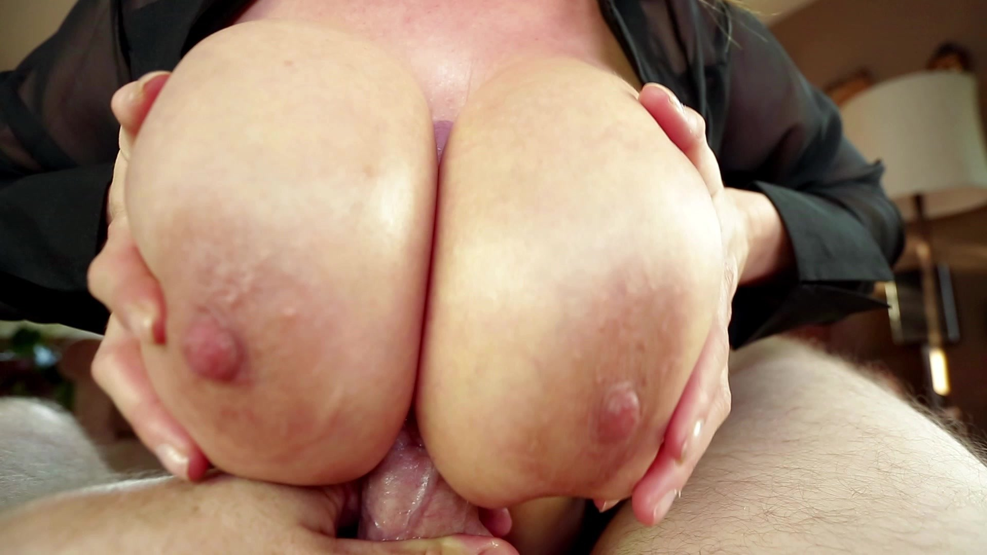 Kianna dior sucks cock