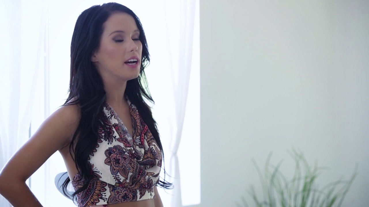 Scene with Xander Corvus and Megan Rain - image 4 out of 20