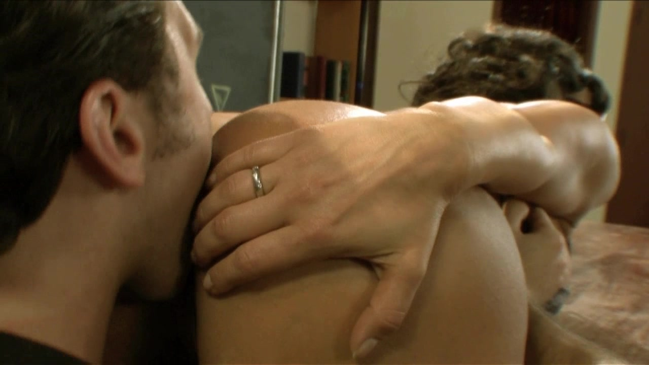 Scene with Lisa Ann and James Deen - image 4 out of 20