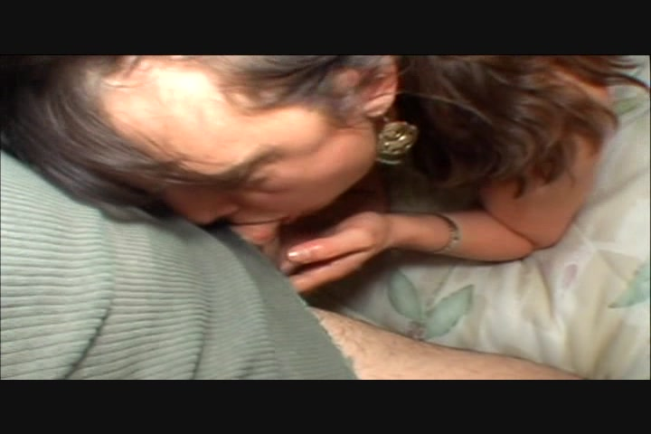 Woman that love to suck cock