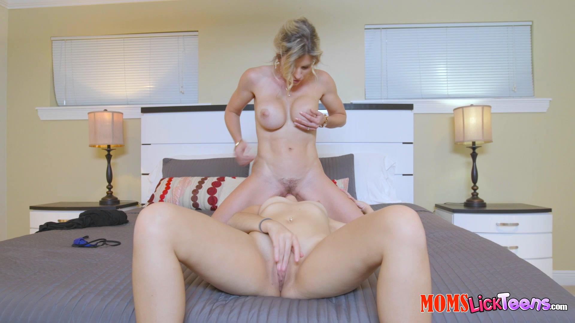 Naughty step mom handjob mobile porno videos_6090