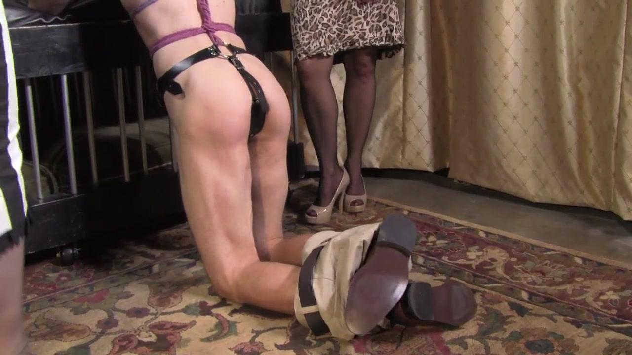 Pantyhose girls free video