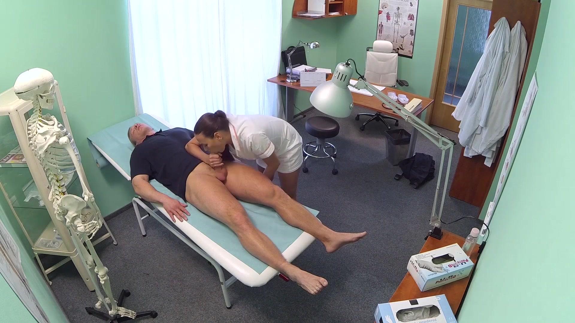Скрытое порно медсестрой, медсестра скрытая камера: порно видео онлайн 17 фотография