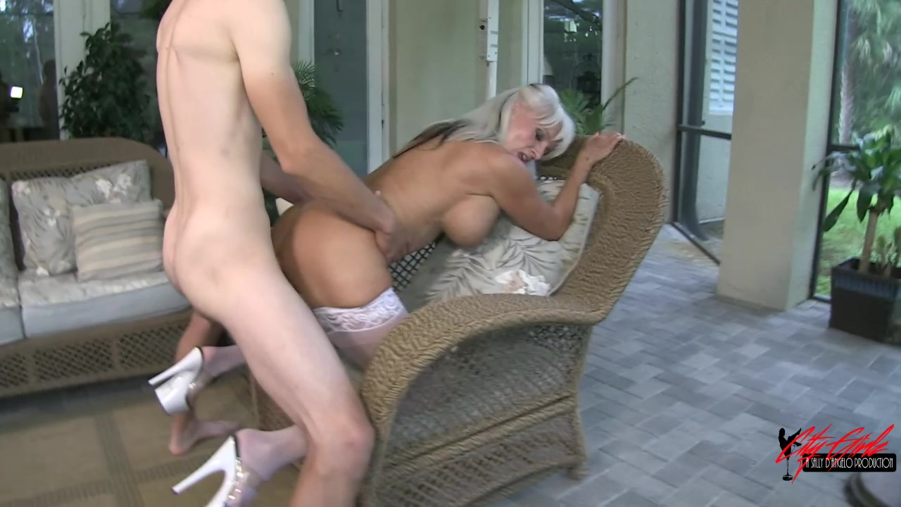 Mature mother fucking