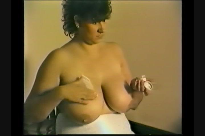 Christina ricci busty
