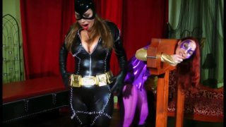 Streaming porn video still #2 from Catwoman