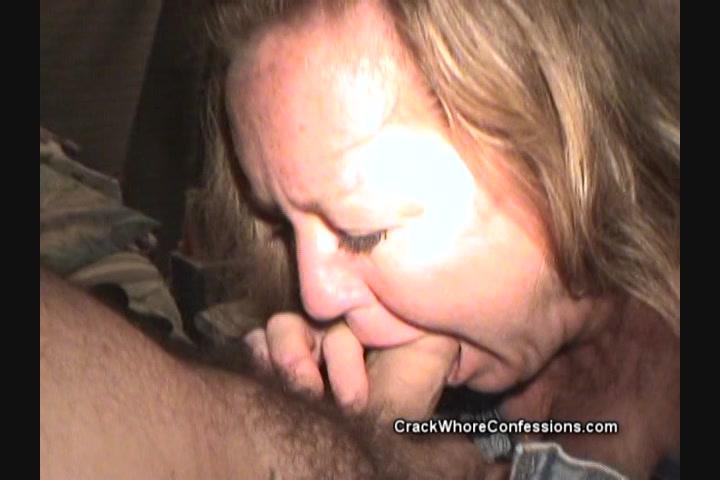 Secy lesbian ass kissing