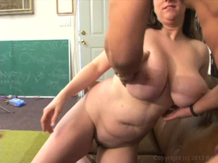Wife push out creampie squirting