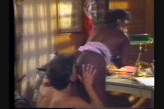Streaming porn video still #4 from La Boomba