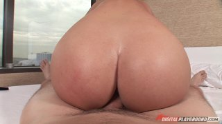 Streaming porn video still #9 from Tits vs. Asses