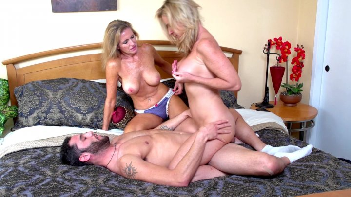 Streaming porn video still #2 from Dysfunctional Family Love Stories 2