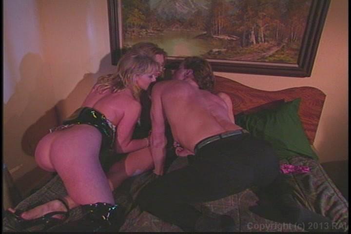 Freesleeping porn videos