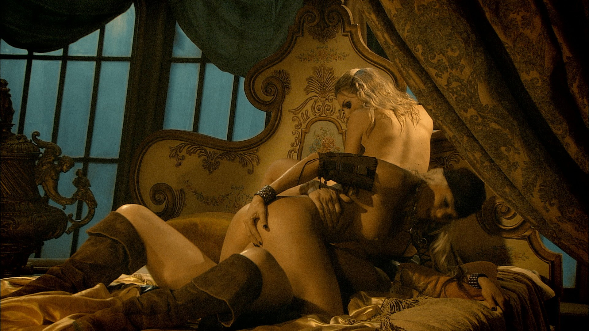 фильм pirates порно онлайн