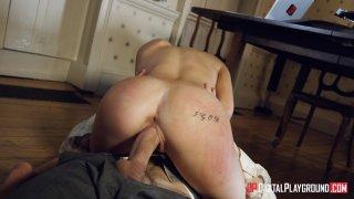 Streaming porn video still #11 from Poon Raider